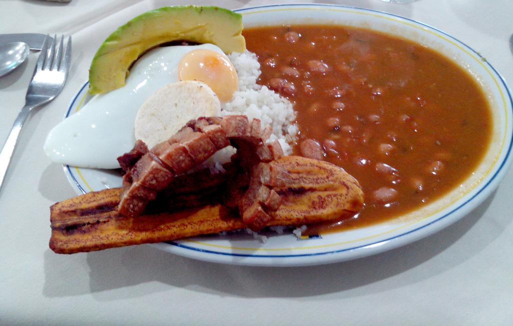 pratos típicos na Colômbia