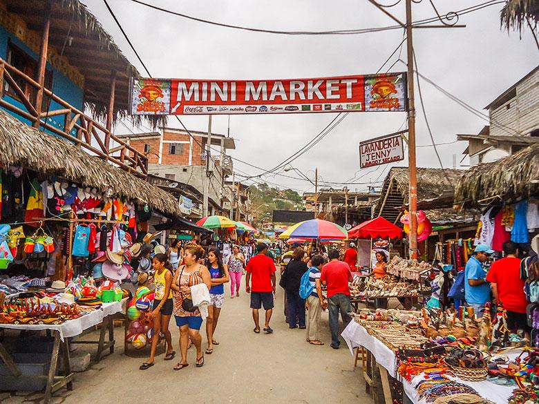 montañita equador turismo
