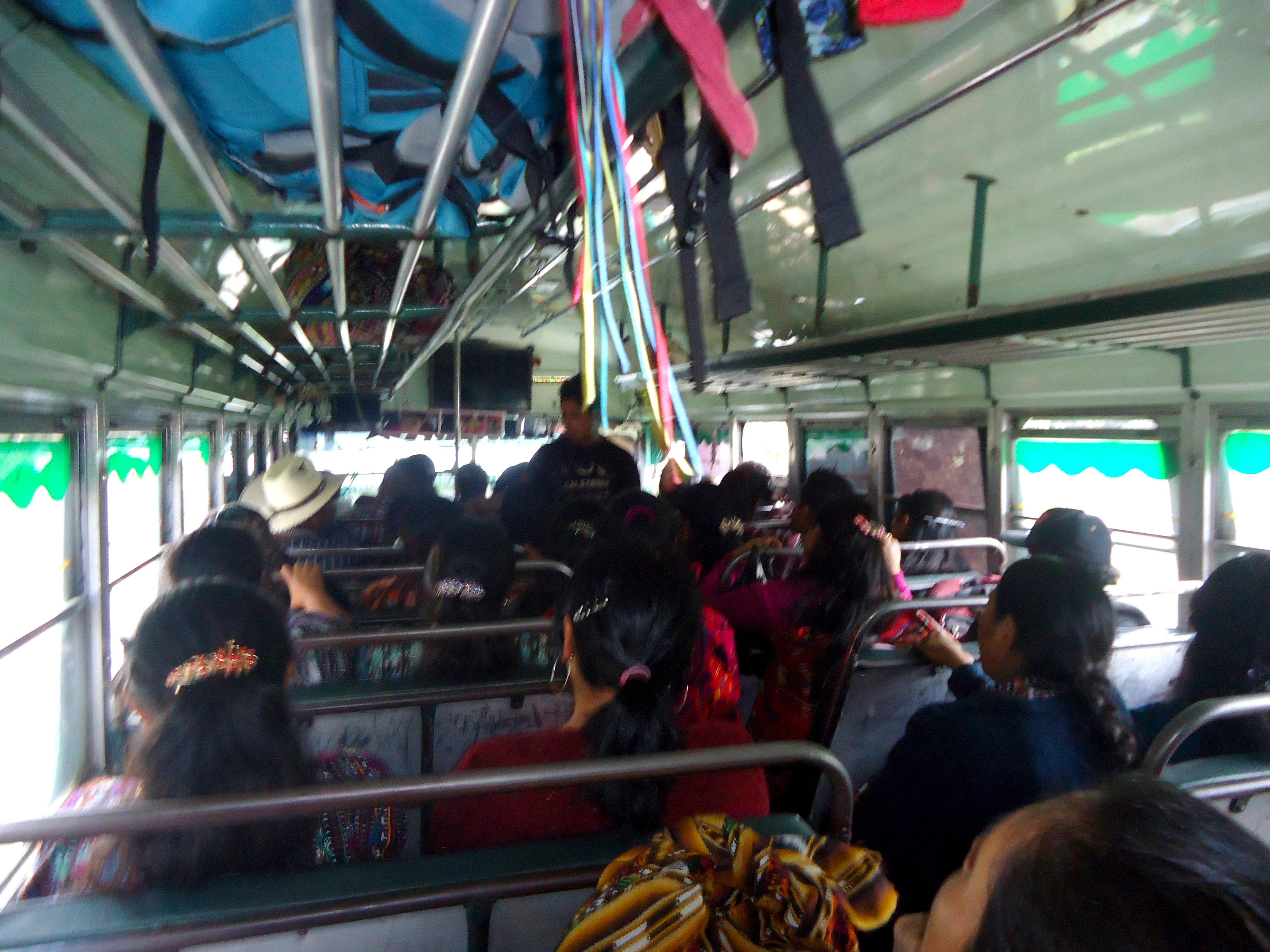 ônibus na América Central